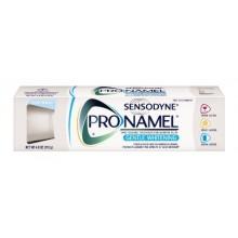 Sensodyne Pro-Émail Blanchissant doux Dentifrice, Alpine Breeze, Tubes de 4 onces (Pack de 3)